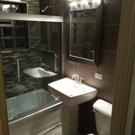 Bathroom renovated by foundation crack repair company in Chicago